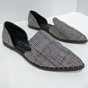Chinese Laundry D'Orsay Flats Side Cut Out 6.5